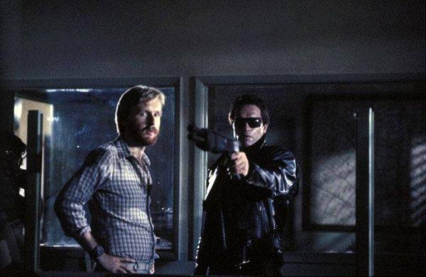 James Cameron et Arnold Schwarzenegger sur le tournage de Terminator