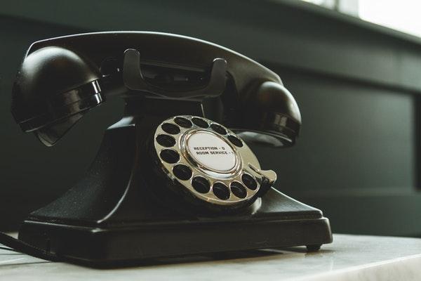 Parler anglais au téléphone, une autre paire de manches